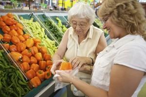 aide courses personnes âgées